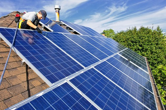 Choisir un panneau solaire © Elenathewise