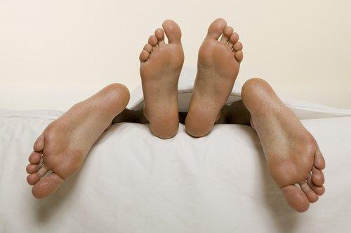 01f4000007652665-photo-30-septembre-2014-ils-tombent-sur-un-documentaire-sur-le-sexe-au-lieu-d-une-com-die.jpg