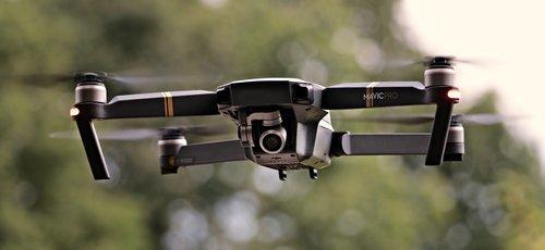 01f4000008780128-photo-pixabay-clubic-drone.jpg