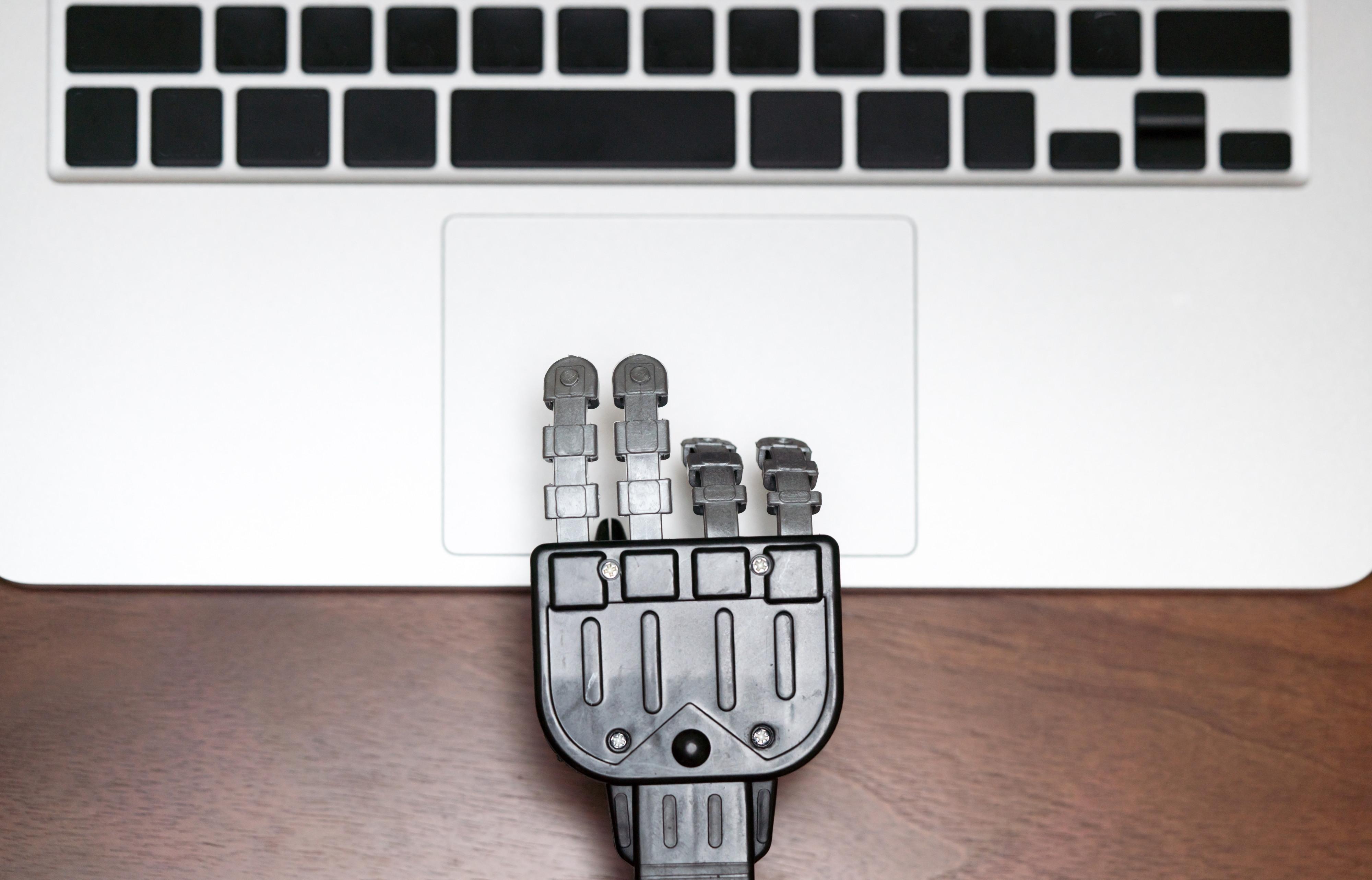08434738-photo-robot-emploi-travail.jpg