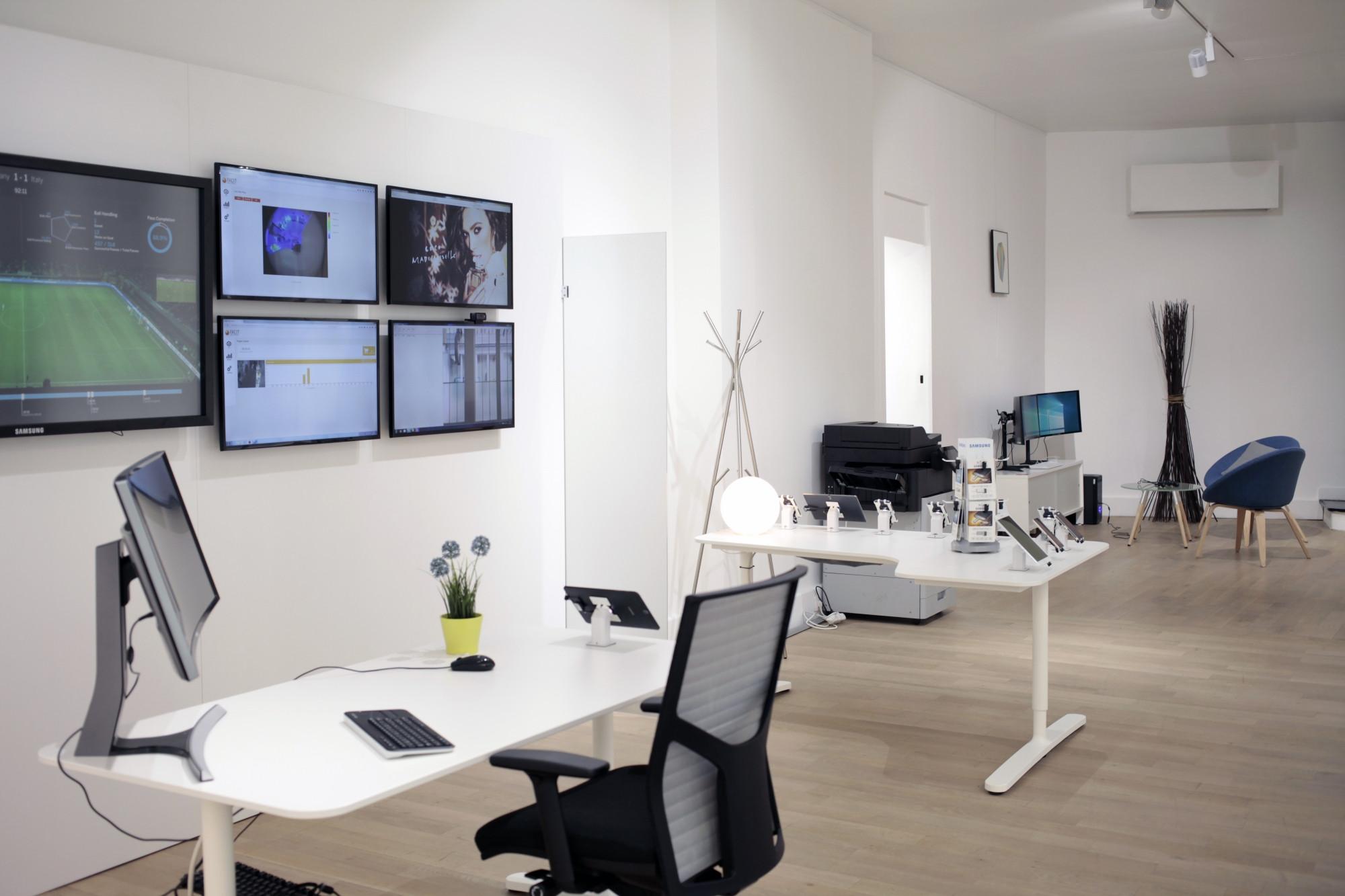 08438380-photo-samsung-enterprise-bureaux.jpg