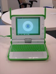 000000fa00402116-photo-olpc-portable-100-dollars-prototype-b1.jpg