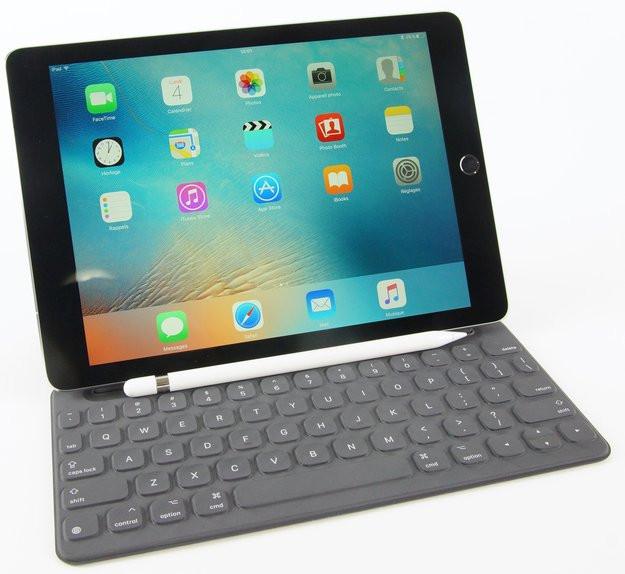 0271000008402472-photo-apple-ipad-pro-9-7-pouces-smart-keyboard.jpg