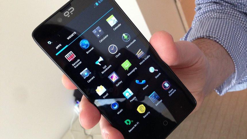 035C000008302162-photo-blackphone.jpg