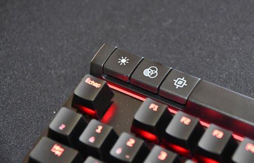 01F4000008743354-photo-clavier-gaming-hyperx-alloy-elite.jpg