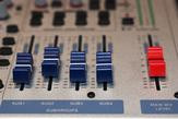 00A3000000568283-photo-table-de-mixage-intro.jpg
