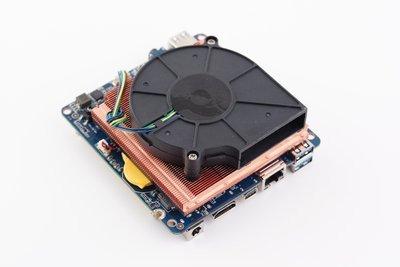 0190000007116596-photo-gigabyte-brix-pro.jpg