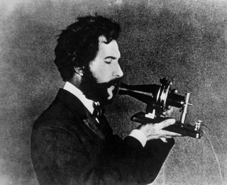 0140000007721403-photo-alexander-graham-bell-demonstrates-his-telephone-in-1876.jpg