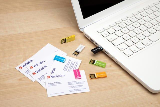 0280000003579828-photo-clip-it-usb-drive.jpg