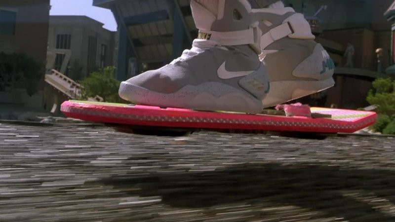0320000008067154-photo-hoverboard-retour-vers-le-futur.jpg