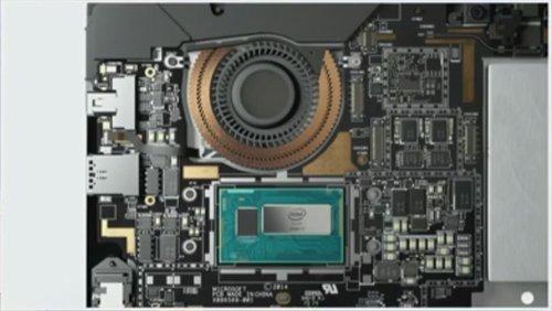 01f4000007571711-photo-microsoft-surface-pro-3-composants-internes.jpg