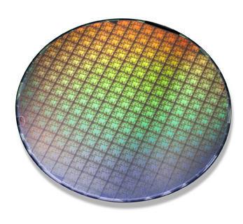 0000014000133968-photo-wafer-nvidia-geforce-7.jpg
