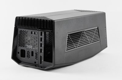 0190000008275468-photo-alienware-graphics-amplifier.jpg