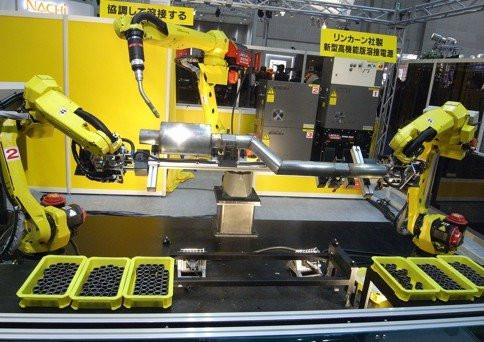 0258000000884638-photo-live-japon-robots-industriels.jpg