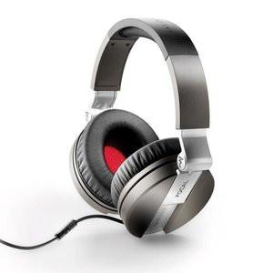 012C000008456170-photo-focal-spirit-casque-audio-nomade-avec-micro.jpg