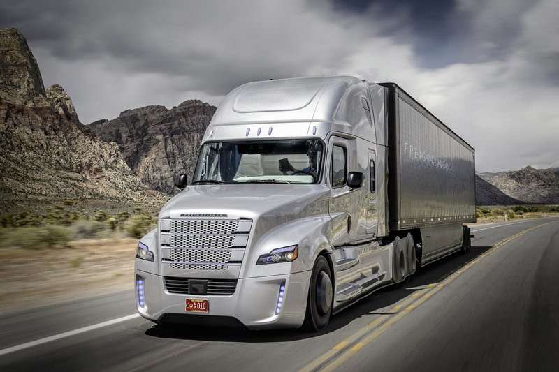 0320000008028226-photo-freightliner-inspiration.jpg