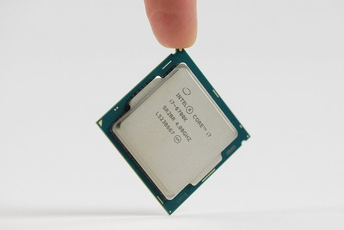 02bc000008128526-photo-intel-core-i7-6700k-3.jpg