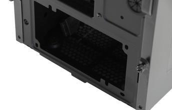 000000dc04802084-photo-corsair-carbide-400r.jpg