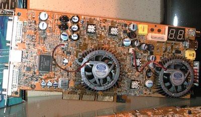 0190000000060076-photo-sapphire-radeon-9800-pro-maxx-proto.jpg
