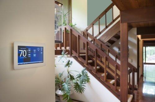 01F4000008785350-photo-domotique-thermostat-connecte-smart-home-fotolia-clubic.jpg