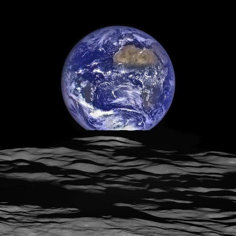 0320000008287708-photo-la-terre-vue-de-la-lune.jpg