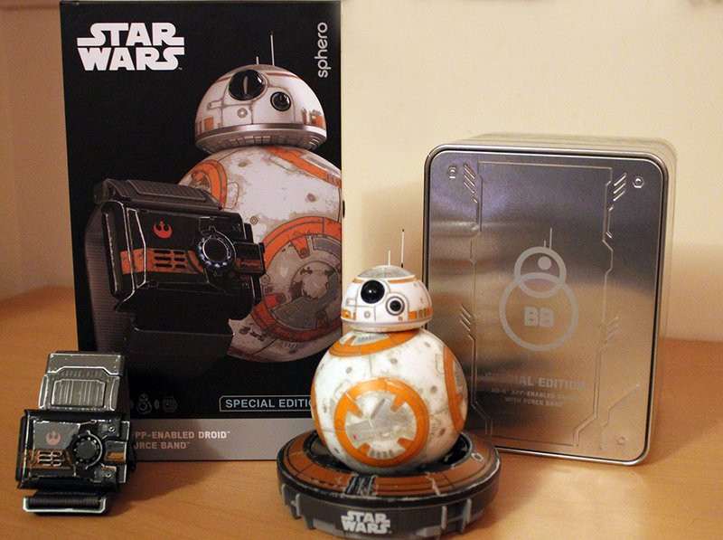 0320000008551902-photo-bb-8-battleworn-forceband-sphero.jpg