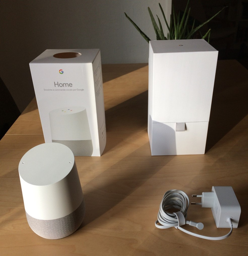 08739200-photo-google-home-packaging.jpg