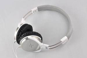 012C000004637950-photo-audio-technica-es7-max.jpg