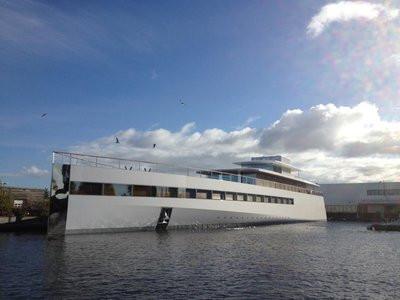 0190000005485057-photo-venus-yacht-de-steve-jobs.jpg