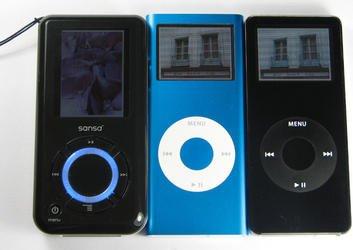 000000fa00382161-photo-ipod-nano-1g-ipod-nano-2g-et-sandisk-sansa.jpg