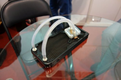 01F4000008461128-photo-watercooling-passif-raijintek.jpg