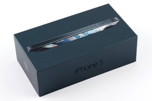01E5000005420233-photo-iphone-boite-1.jpg