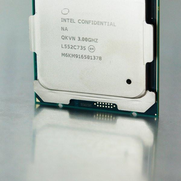 0258000008465888-photo-intel-core-i7-6950x-1.jpg