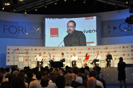 01CC000004291892-photo-jimmy-wales-eg8-table-ronde-internet-et-soci-t.jpg