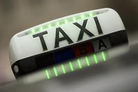 00C8000007628265-photo-les-d-put-s-adoptent-la-proposition-de-loi-du-socialiste-thomas-th-venoud-visant-sortir-du-conflit-entre-les-taxis-et-les-vtc.jpg