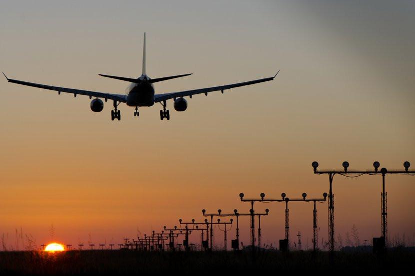 033E000007508545-photo-a-cause-d-un-stagiaire-deux-avions-fr-lent-la-collision.jpg