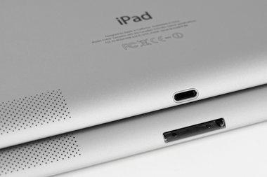 017c000005594398-photo-ipad-retina-vs-nouvel-ipad-connecteurs.jpg