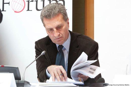 0208000007717543-photo-g-nther-oettinger-au-forum-nerg-tique-de-lech-en-2013.jpg