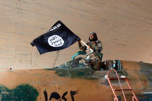 01F4000007584547-photo-plus-de-160-soldats-ex-cut-s-par-des-jihadistes-de-l-etat-islamique.jpg
