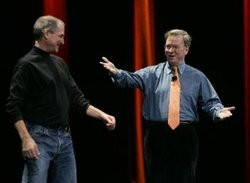 00FA000002335218-photo-eric-schmidt-et-steve-jobs.jpg