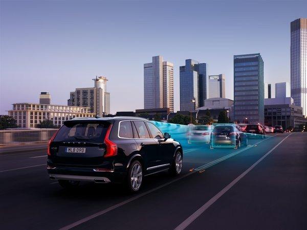 0258000008052420-photo-4-volvo-cars-autonomous-drive-technology-detection-on-the-road-retouche.jpg