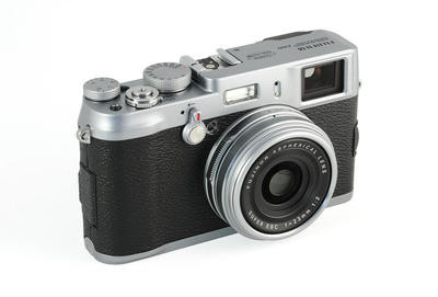 0190000004117760-photo-fujifilm-x100.jpg