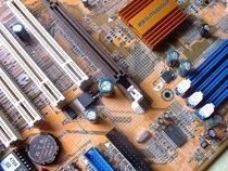 00d2000000052357-photo-ecs-k7s6a-un-ergot-pour-le-slot-agp.jpg