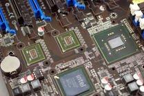 0000008c02362698-photo-asus-p6t7-ws-supercomputer-puces-nforce-200.jpg