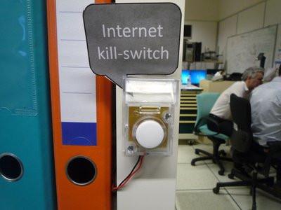 0190000008073752-photo-internet-kill-switch.jpg