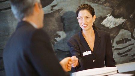 01C2000008059944-photo-enregistrement-check-in-dans-un-hotel.jpg
