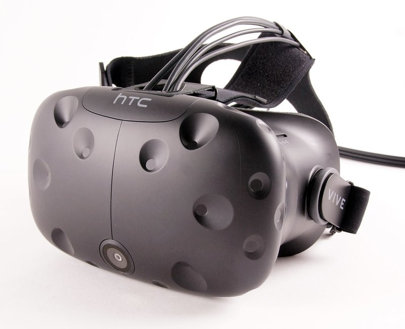 0320000008417046-photo-casque-htc-vive-1.jpg