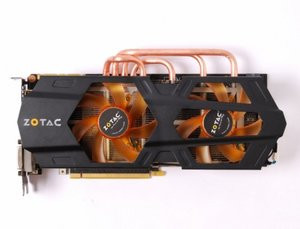 012C000005148662-photo-zotac-geforce-gtx-680-amp-edition-zt-60102-10p.jpg