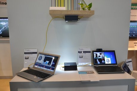 01cc000005443667-photo-visible-light-communication-vlc-ceatec-2012.jpg