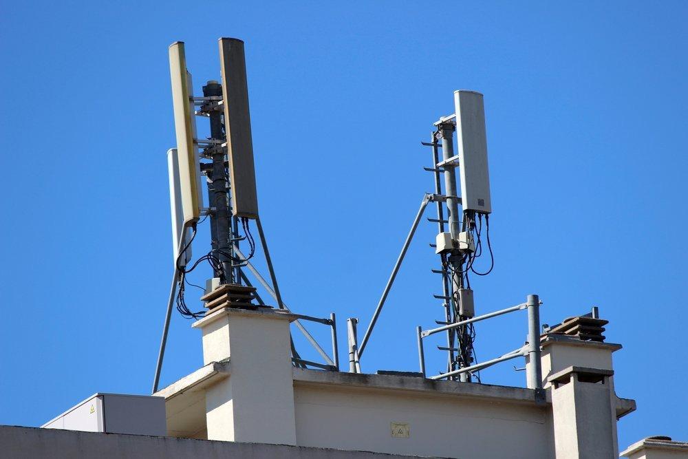 03e8000006639034-photo-antennes-relais-gsm.jpg